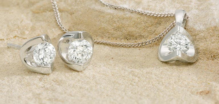 Wedding Day Jewellery It S Your To Shine Complement Attire With